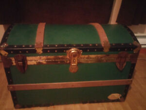 EVERLITE UNION TRUNK, GOOD SHAPE.