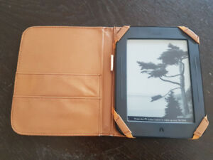Barnes & Noble Nook Simple Touch eReader with Case