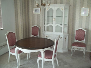 Deilcraft Dining Table, China Cabinet and 4 Chairs