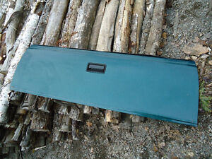 tailgate in very good condition150 obo