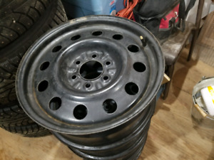 """4 - 18"""" Steel Rims off of 2015 Ford F-150 (275 65 R18)"""
