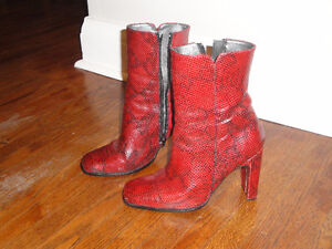 Red leather boots size 7, Barely used