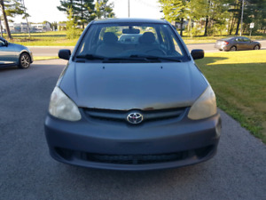 Toyota Echo 2005 automatique - 166500km