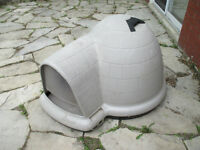 DOGHOUSE FOR SMALL TO MEDIUM SIZED DOGS