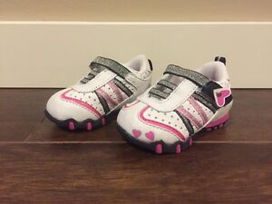 George Brand Baby Girl / Toddler Runners, Size 2