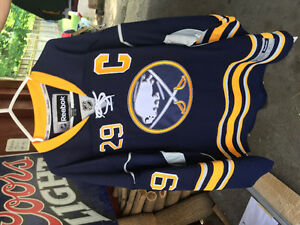 Buffalo Sabres: Jason Pominville Signed Jersey