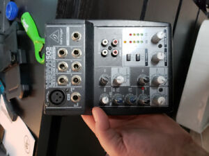 Selling behringer mixer