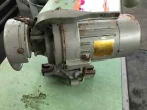 REX 512 CLUTCH MOTOR MOTEUR  1 1/2 HP from sewing machine coudre
