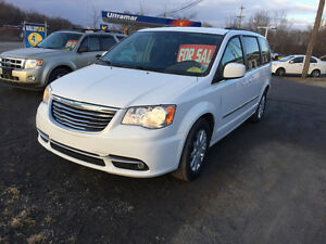 2015 Chrysler Town & Country Minivan, Van