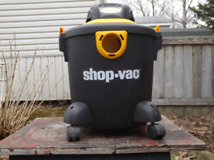 Shop Vac/ blower with Attachments 18.9 Liters $ 40.00