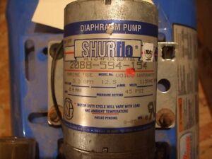 Pompe à l'eau / Pressure Tank 2 Gal & Pompe 115V Lac-Saint-Jean Saguenay-Lac-Saint-Jean image 3
