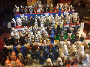Minifigs and lego at the forum. Sunday August 26th.