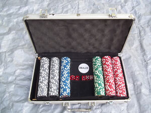 Case of Poker Chips (300), Plus