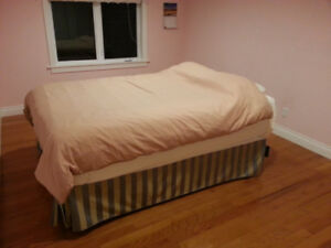 Queen mattress and box spring with steel frame