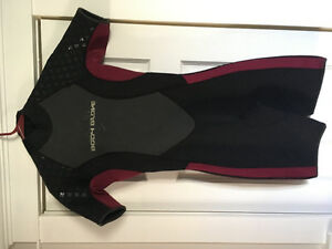 Body glove women's shortie wet suit