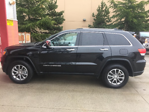 2016 Jeep Grand Cherokee limited 4X4 Black 5,000 kms!!!