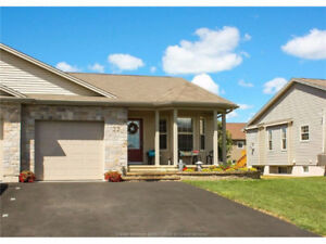 22 LANGFORD ST. MOUNTAIN WOODS! GOLF COUSE COMMUNITY! $278,600!