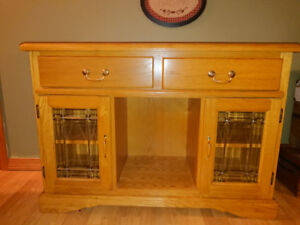 Buffet hutch sidetable