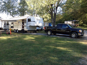 Truck and Fifth wheel combo