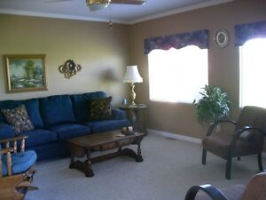 For Sale Palm Springs Golf Course Mobile Home Revelstoke British Columbia image 6