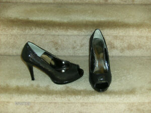 Ladies High-Heel Dress Shoes Size 9