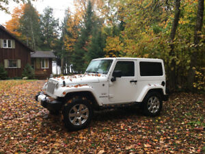 2016 Jeep Wrangler Sahara 2dr-2roofs-2sets of mags