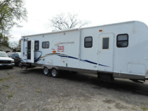 2011 32FT NORTH COUNTRY TRAVEL TRAILER