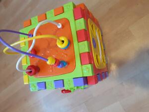 10$ Bruin play activity cube