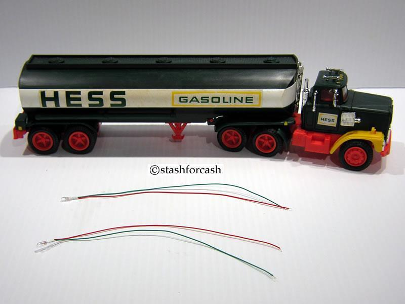"""1975 to 1978 HESS BULBS - RED & GREEN WIRES - REPLACEMENT LIGHT PART"""