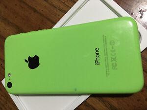 Iphone 5c Green (screen needs repair)