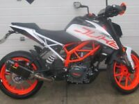 KTM 390 DUKE immaculate with Akrapovic exhaust/Tail tidy/KTM hand guards FSH
