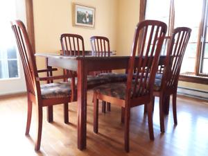 table de cuisine 6 chaises et buffet