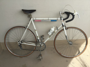 Vintage 10 speed Peugeot bike (collectors interest)