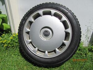 Roues, pneus d'hiver et enjoliveurs Volvo