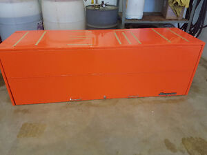 Electric orange snap on hutch