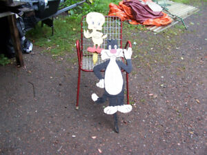 Sylvester and Tweety Wooden Lawn/Garden Ornaments