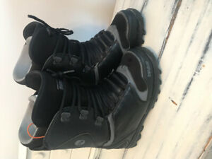 Men's size 12 snowboard boot 32 lashed