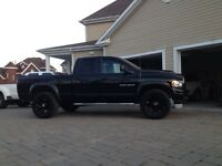 2004 Dodge Power Ram 1500 Slt sport beaucoup d'argent investi !