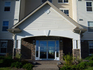 2 Bedroom 2 fullbath Condo in Applewood