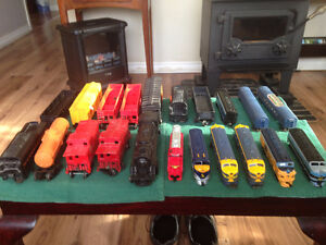 LIONEL, TYCO, TRI-ANG, O GAUGE AND HO GAUGE COMPLETE TRAIN SETS