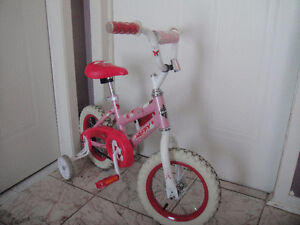 """Bicycle for girls """"SEA Star"""" 12""""/Bicyclette pour filles  12po"""