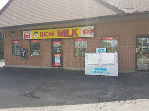 Prime location for this well maintained Convenience store