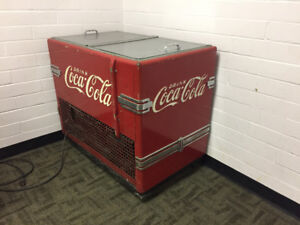 antique coca-cola machine