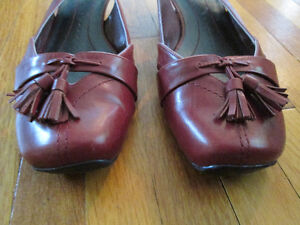 Nine West Shoes with Small Heel Size 8M