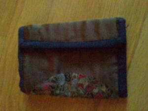 Women's fabric silk trifold wallet for sale London Ontario image 6