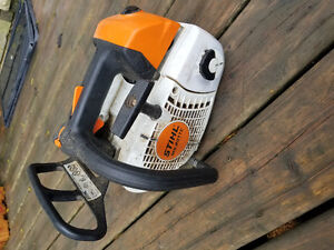 STIHL MS201T - Almost New