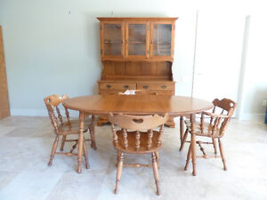 Roxton Solid Maple Dining Room Table, Chairs & Hutch- Colonial