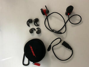BOSE SoundSport pulse Headphones rarely used