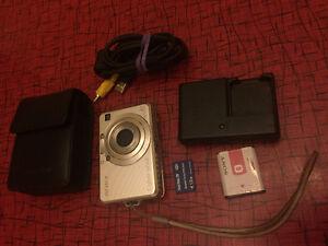 Sony Cybershot DSCW100 8.1MP Digital Camera London Ontario image 1