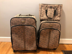 Kenneth Cole Reaction Luggage Set